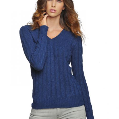 .V neck cable sweater